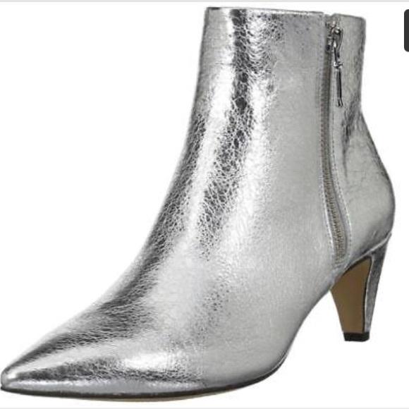 97451a207f0 FABULOUS metallic kitten heel. Worn twice!